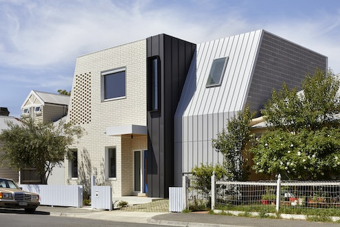 A House for All Seasons by POLYstudio (via Lunchbox Architect)
