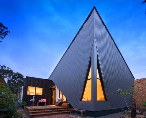 Arrow House by Mark Lam Architect (via Lunchbox Architect)