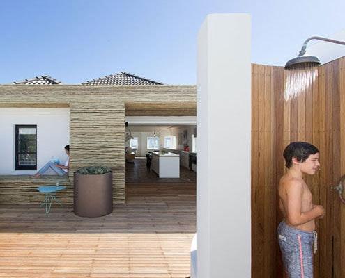 Bondi Apartment by MCK Architects and Interiors (via Lunchbox Architect)
