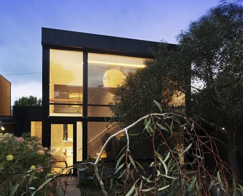 Canterbury Studio by McGann Architects (via Lunchbox Architect)