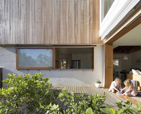 Casa Crisp by buck&simple (via Lunchbox Architect)