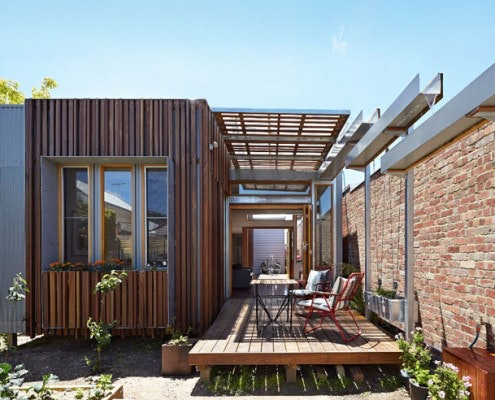 Convertible Courtyards House by Christopher Megowan Design (via Lunchbox Architect)