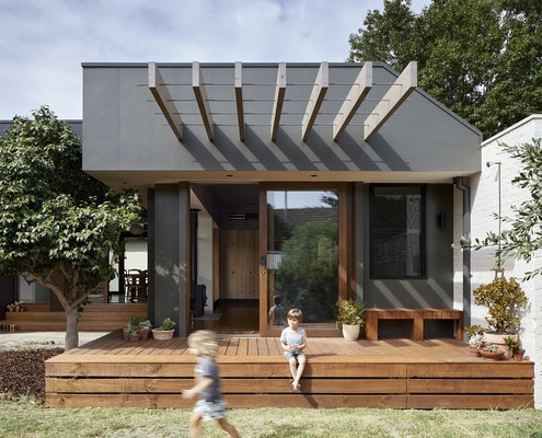 Courtyard Deck House by ZGA Studio (via Lunchbox Architect)