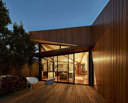Diagonal House by Simon Whibley Architecture & Antarctica (via Lunchbox Architect)