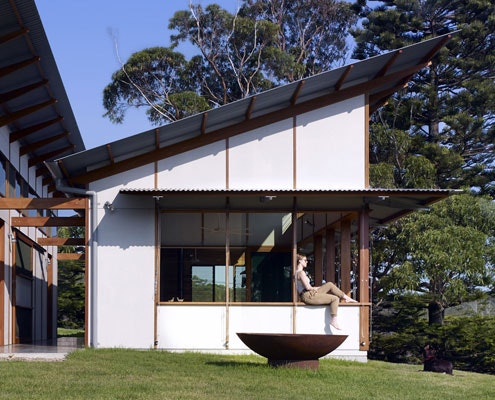 Dogtrot House by Dunn and Hillam Architects (via Lunchbox Architect)