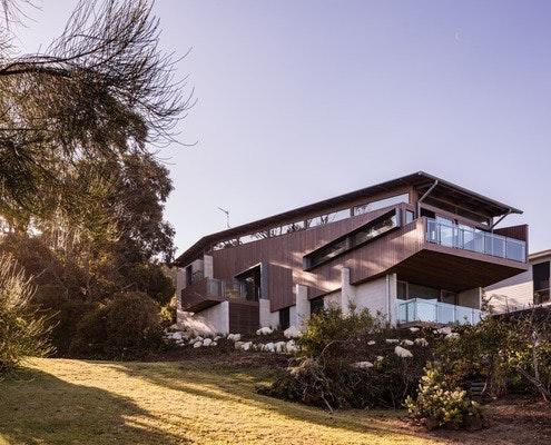 Dorman Beach House by Studio101 Architects (via Lunchbox Architect)