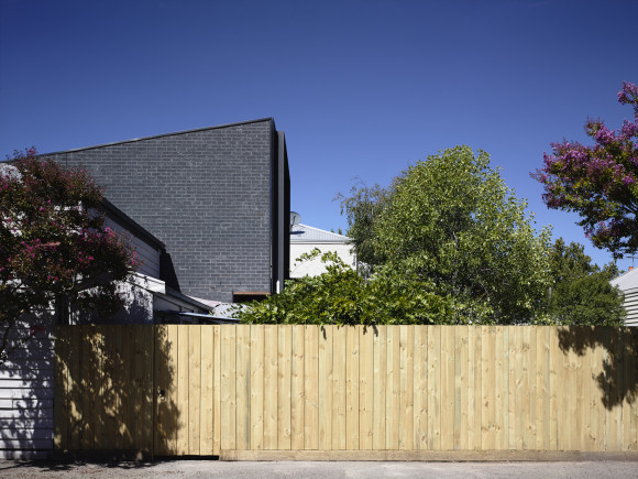 Double Terrace House by Rob Kennon Architects (via Lunchbox Architect)