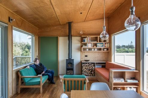Field Way Bach by Parsonson Architects (via Lunchbox Architect)