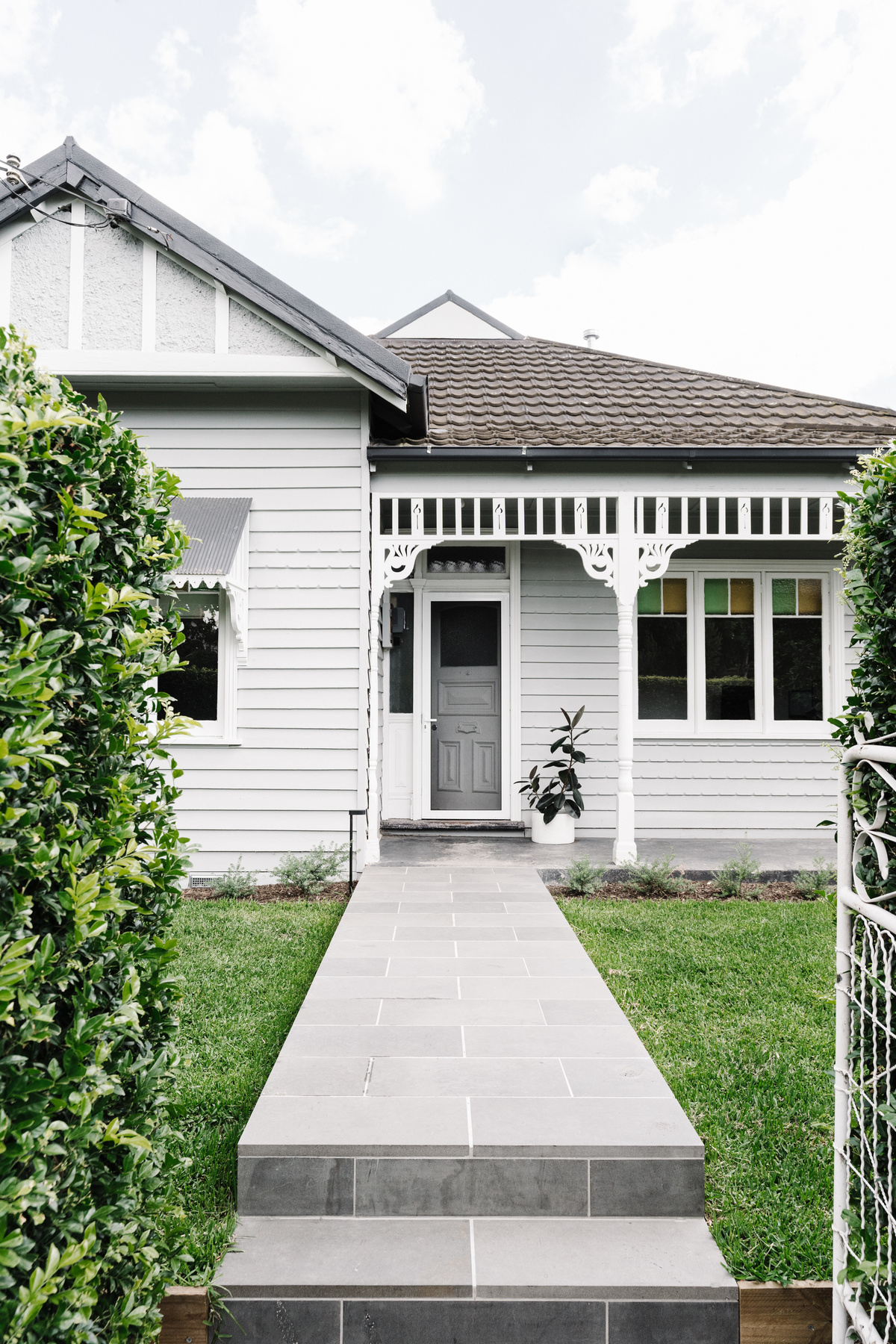 Modern Addition Creates a New Heart for This Weatherboard Cottage