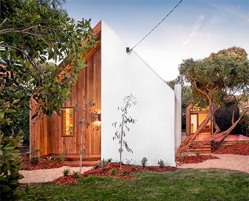 Gabled Guest Pavilion by Auhaus Architecture (via Lunchbox Architect)
