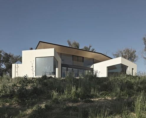 Hillside Habitat by Edwards Moore Architects (via Lunchbox Architect)