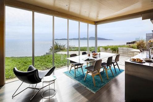 Kapiti Beach House by Geoff Fletcher Architects (via Lunchbox Architect)