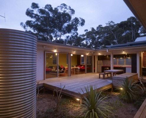 Kurreki Beach Retreat by Bourne Blue Architecture (via Lunchbox Architect)