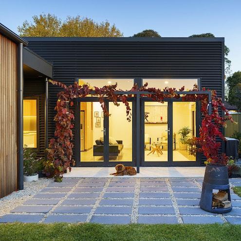 Kyneton Country Townhouse by Amanda Calvert - Barry Sweet Architecture (via Lunchbox Architect)