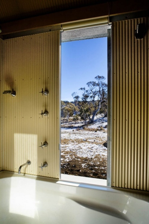 Snowy Mountains House by James Stockwell Architects (via Lunchbox Architect)