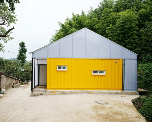 Low-Cost Container House by JYA-RRCHITECTS (via Lunchbox Architect)
