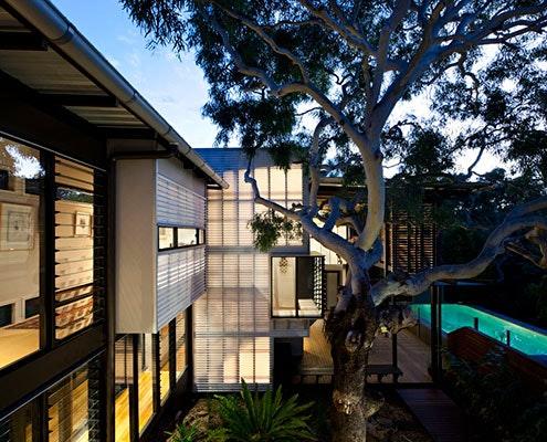 Marcus Beach House by Bark Design Architects (via Lunchbox Architect)