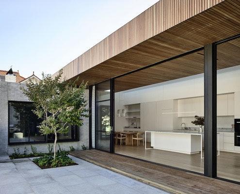 McNamara House by Tom Robertson Architects (via Lunchbox Architect)