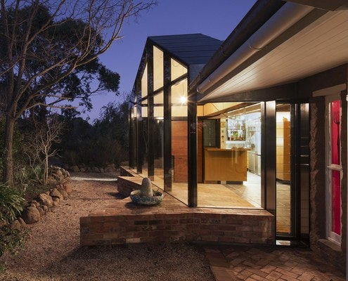Mexican Swiss Chalet - Malmsbury House by Perversi-Brooks Architects (via Lunchbox Architect)