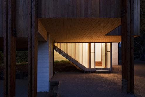 Mornington Beach House by Clare Cousins Architects (via Lunchbox Architect)