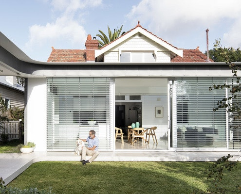 Outside In House by MODO Architecture (via Lunchbox Architect)