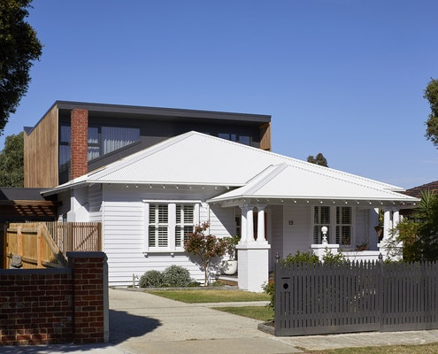 Peekaboo House by  (via Lunchbox Architect)