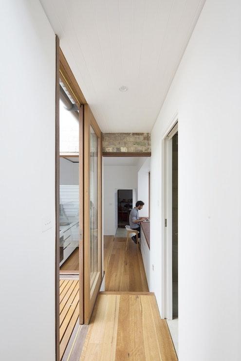 Petersham Courtyard House by Adriano Pupilli Architects (via Lunchbox Architect)