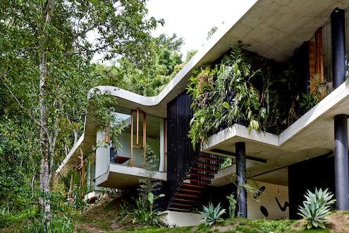 Planchonella House by Jesse Bennett (via Lunchbox Architect)