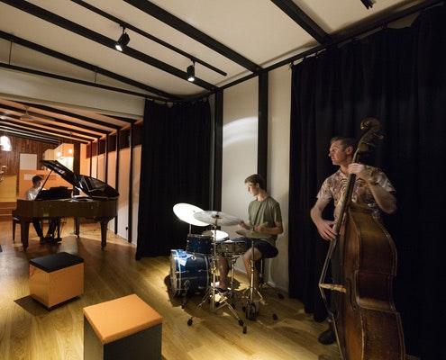 Rhythm House by Delia Teschendorff Architecture (via Lunchbox Architect)