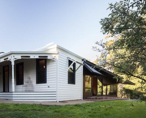 Shadow Cottage Daylesford by MRTN Architects (via Lunchbox Architect)