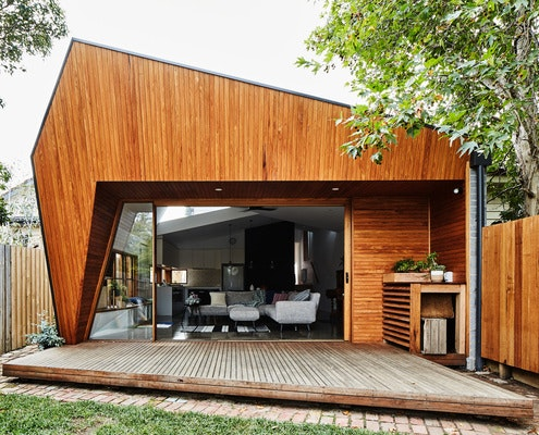 Split End House by Mártires Doyle Architects (via Lunchbox Architect)