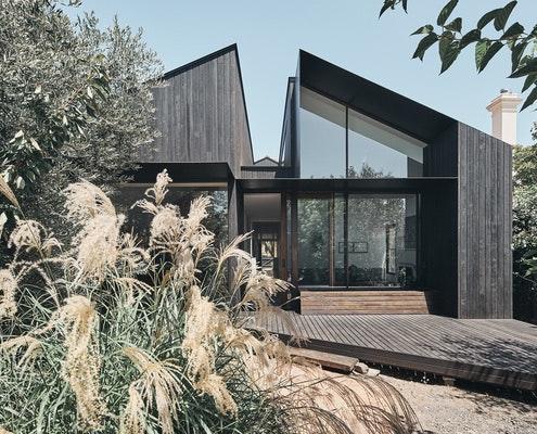 Split House by FMD Architects (via Lunchbox Architect)