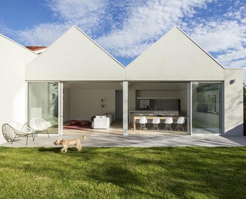 SSK Residence by Davidov Partners Architects (via Lunchbox Architect)