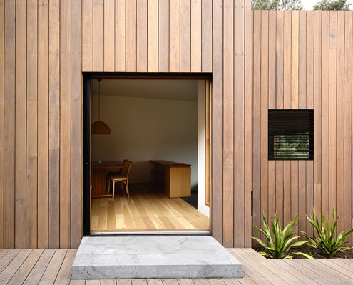 Stepped House by Rob Kennon Architects (via Lunchbox Architect)