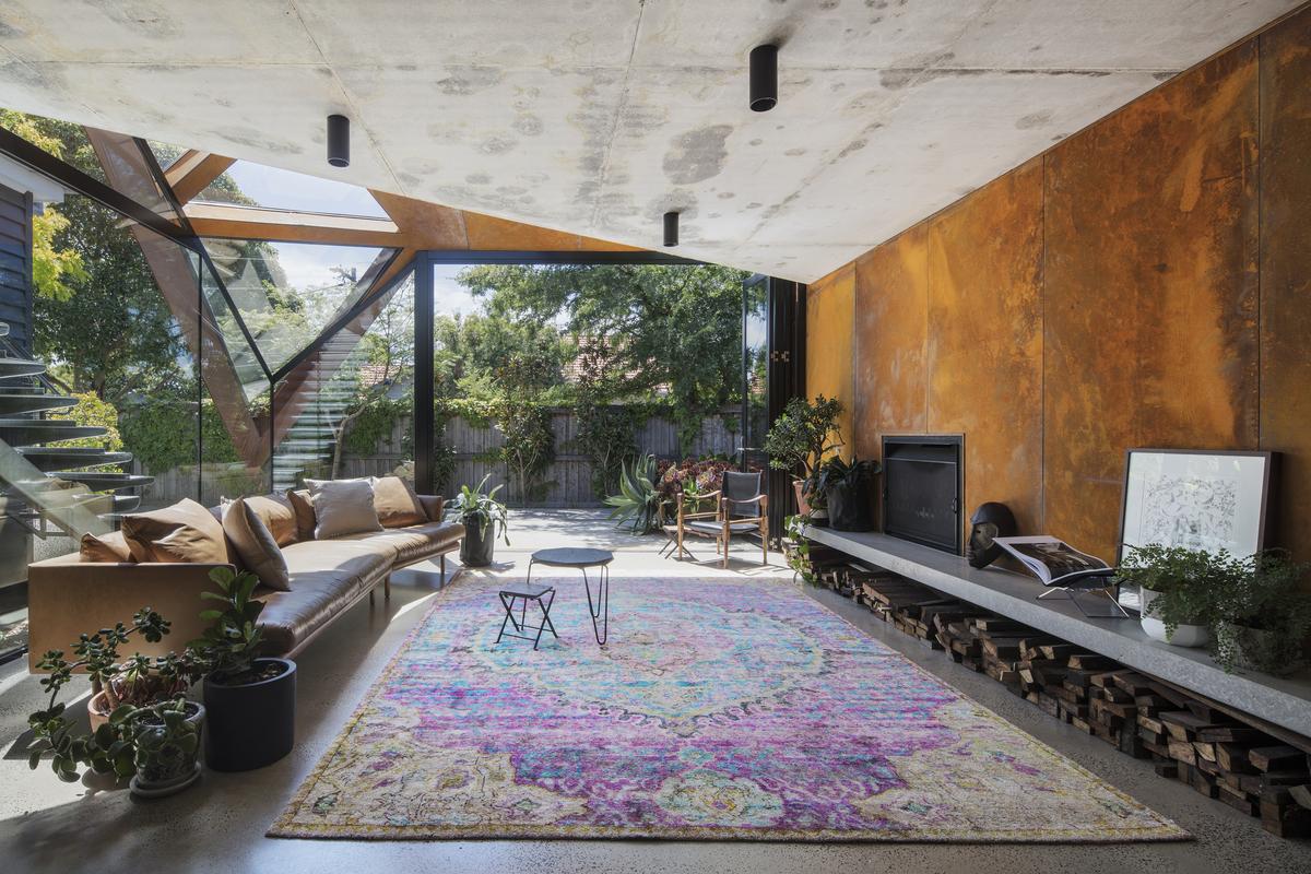 Glazed Roof Floats Like a Leaf Capturing Views of Trees and Sky