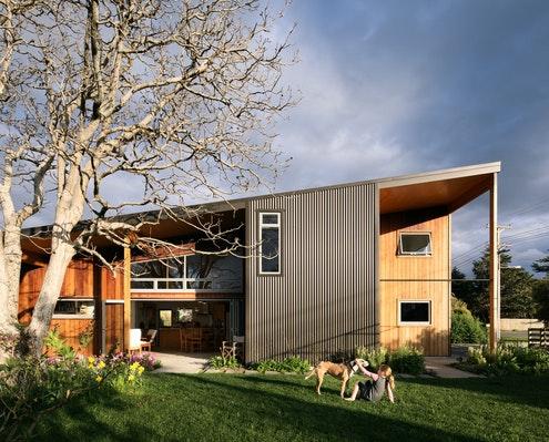 The Wairarapa Haybarn by First Light Studio (via Lunchbox Architect)