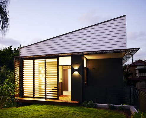 Woolloongabba Gardenhouse by Refresh Architecture (via Lunchbox Architect)