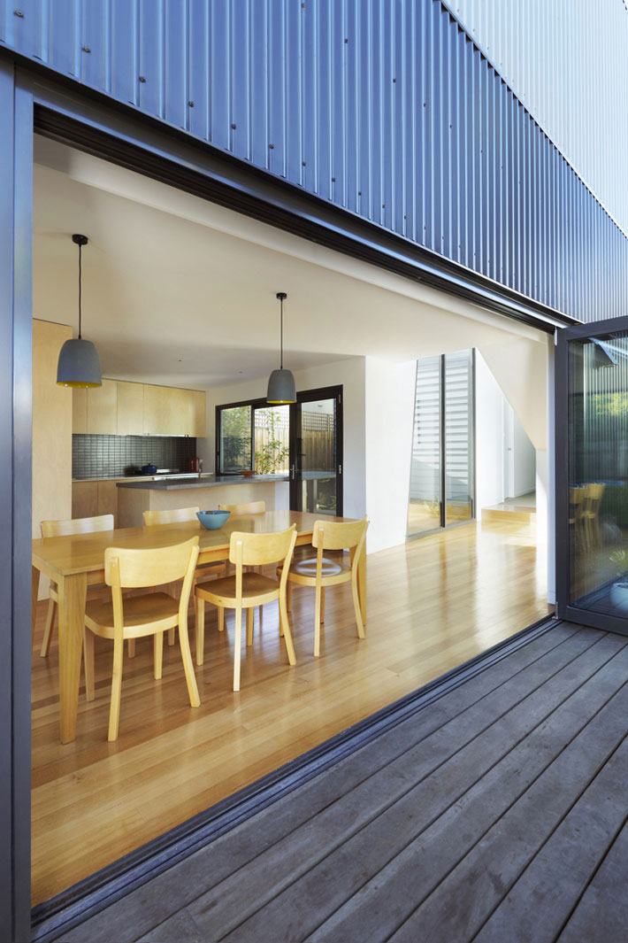 Yarra Street House kitchen and dining area viewed from outside